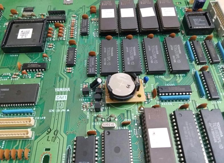 SY77の基板に電池ホルダーを設置した図